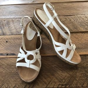 Women's What's What White Sandals Size 9.5